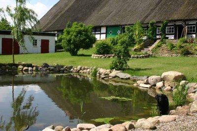 Schwarzbau projekte for Gartenanlage mit teich